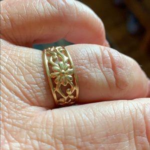 10K gold flower ring